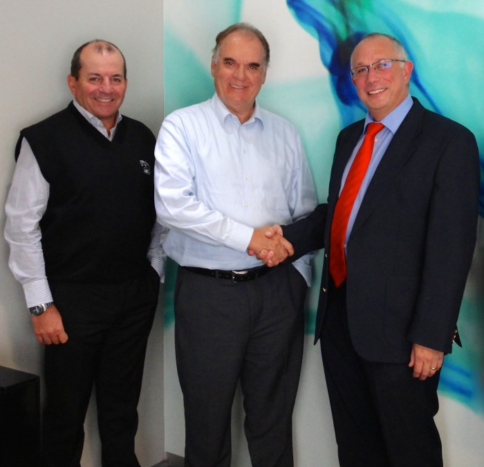 THUNDERBOLT AND AGFA GRAPHICS SIGN DISTRIBUTION AGREEMENT - Africa Print