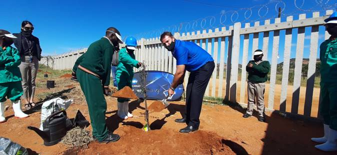 Konica Minolta South Africa And NPO Partner Plant 50 Trees At School